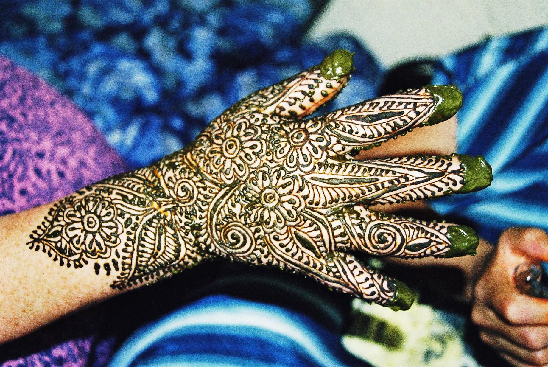 Maroc, photo main tatouée henné