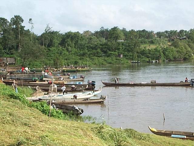Guyane, photo Maripassoula, débarcadaire Dégrad