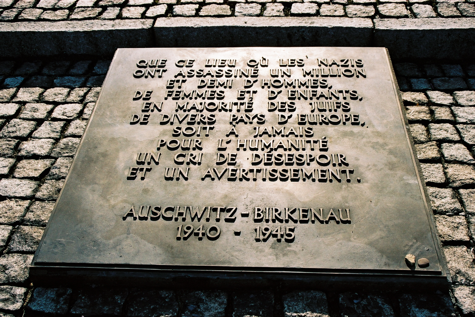 Auschwitz 2 plaque comm�morative