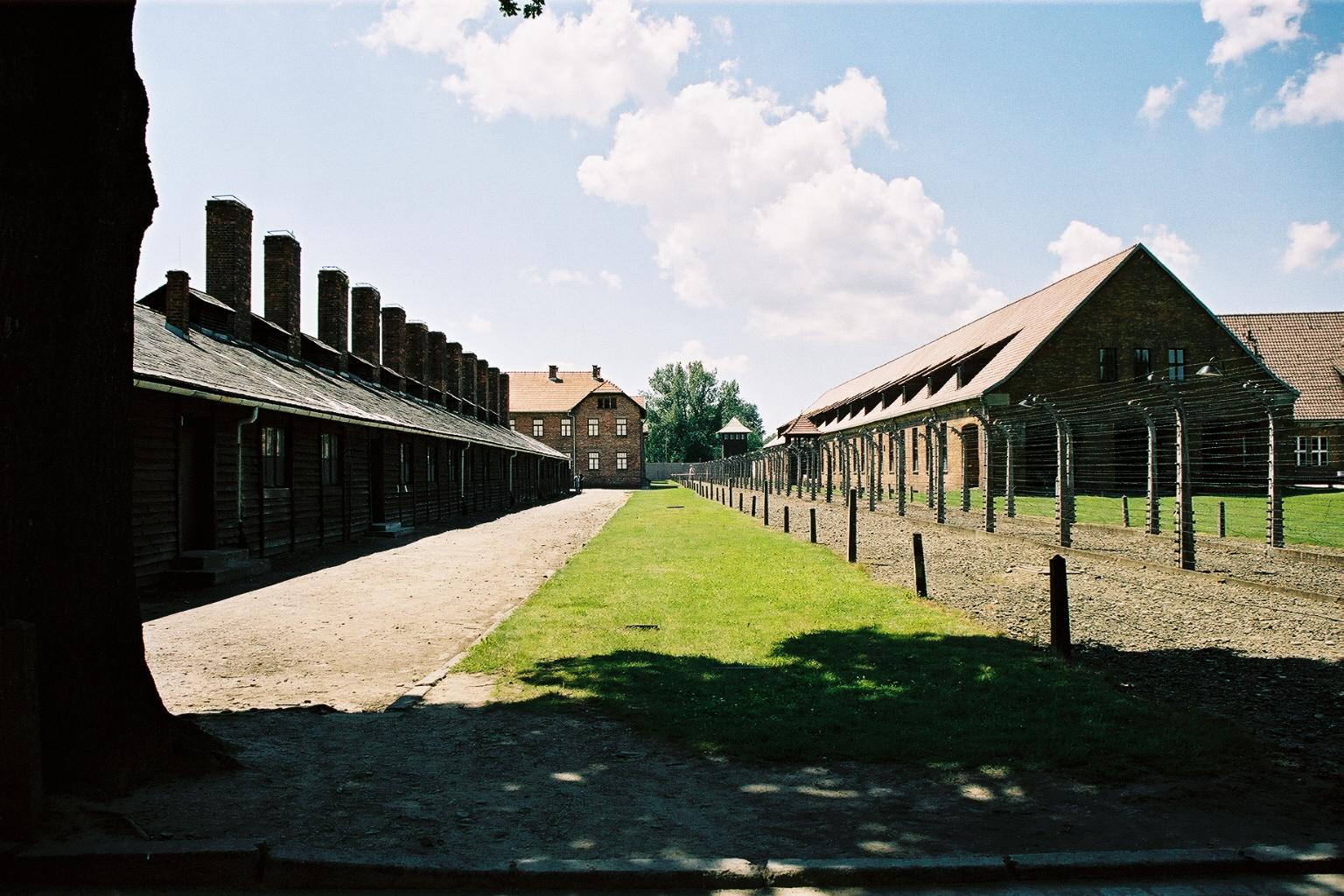 Auschwitz 1, baraquements, vue ext�rieure