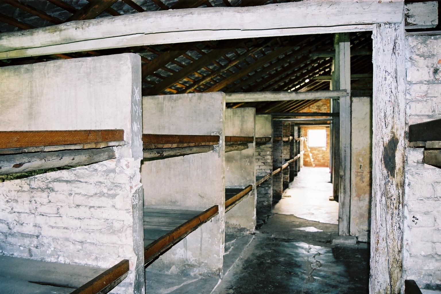 Auschwitz 2, baraquements, int�rieur