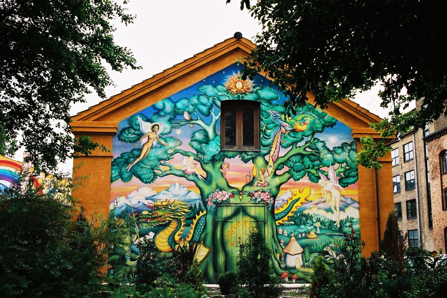 Danemark, fresque murale quartier de Christiania